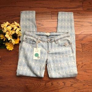 NWT Roxy Skinny Jeans, Lightwash Diamond Pattern